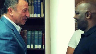 صورة موسيماني| يهنئ الخطيب بعيد ميلاده