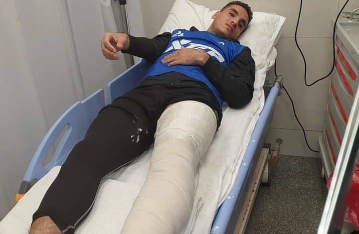 صورة صدمة في الاتحاد بعد اصابة مدافع الفريق بكسر في القدم